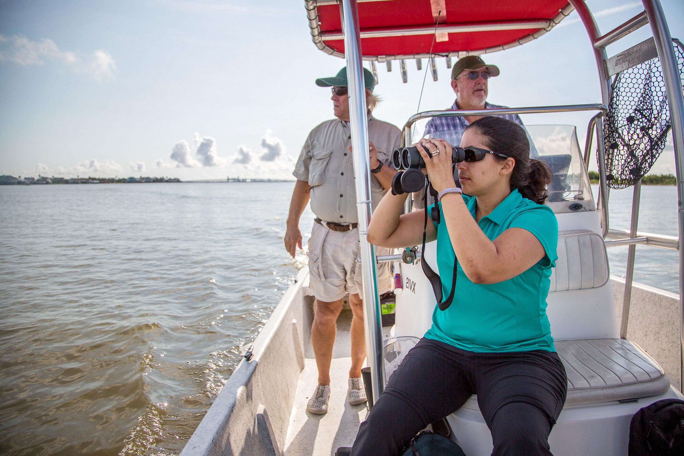 Vazquez and Jones assess damage to narrow islands used by nesting birds in Galveston Bay after Hurricane Harvey. Julia Robinson