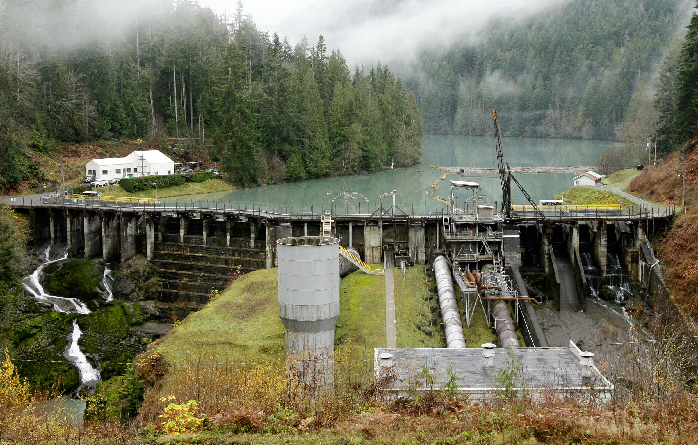 The Elwha Valley and Glines Canyon Dam prior to demolition. Elaine Thompson/AP