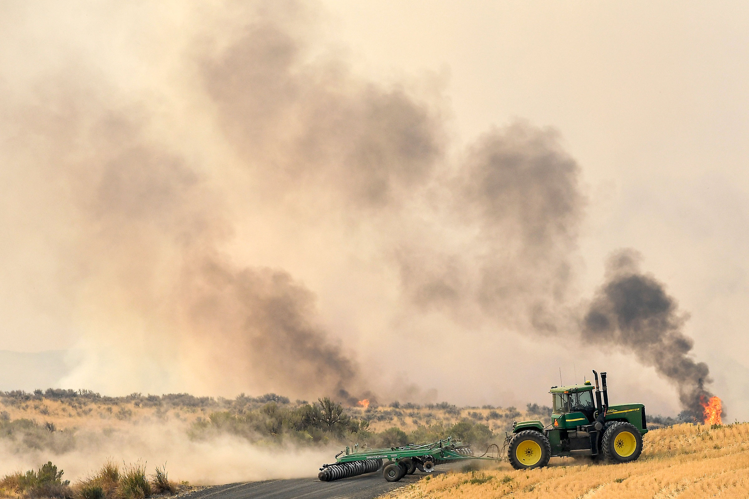 Pearl Hill fire moving towards Mansfield, Washington, September 8th, 2020. Tyler Tjomsland/The Spokesman Review/AP