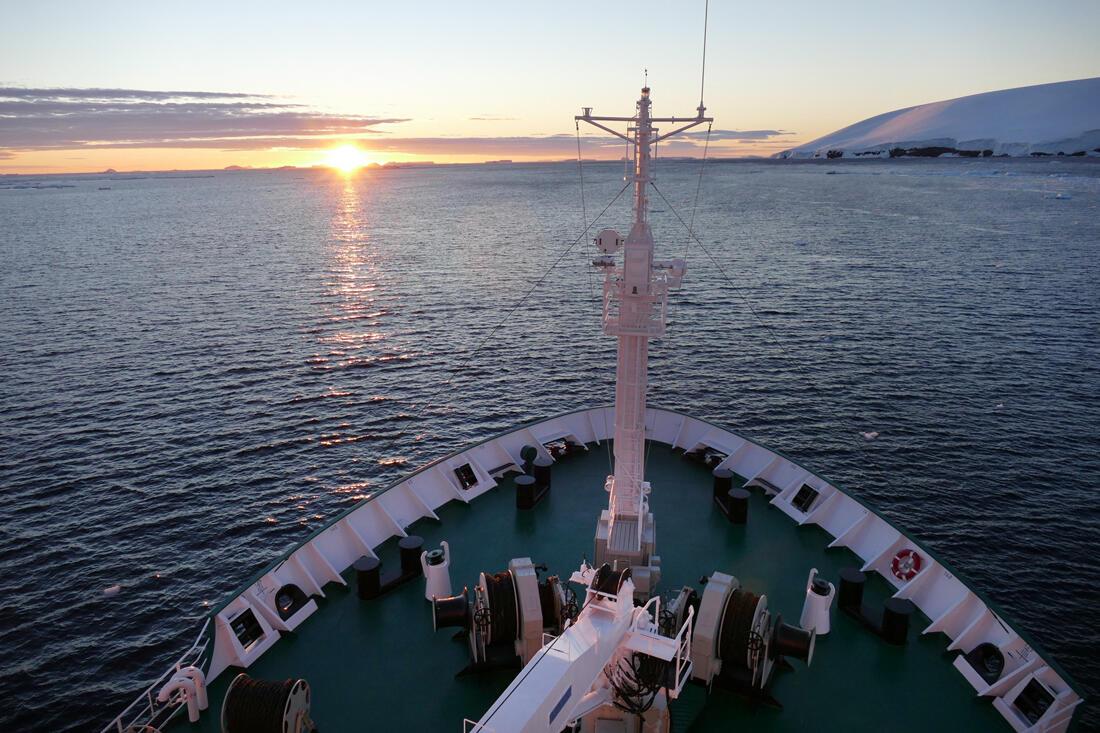 The sun sets around 11 p.m. off the coast of Antarctica. Credit: Noah Strycker