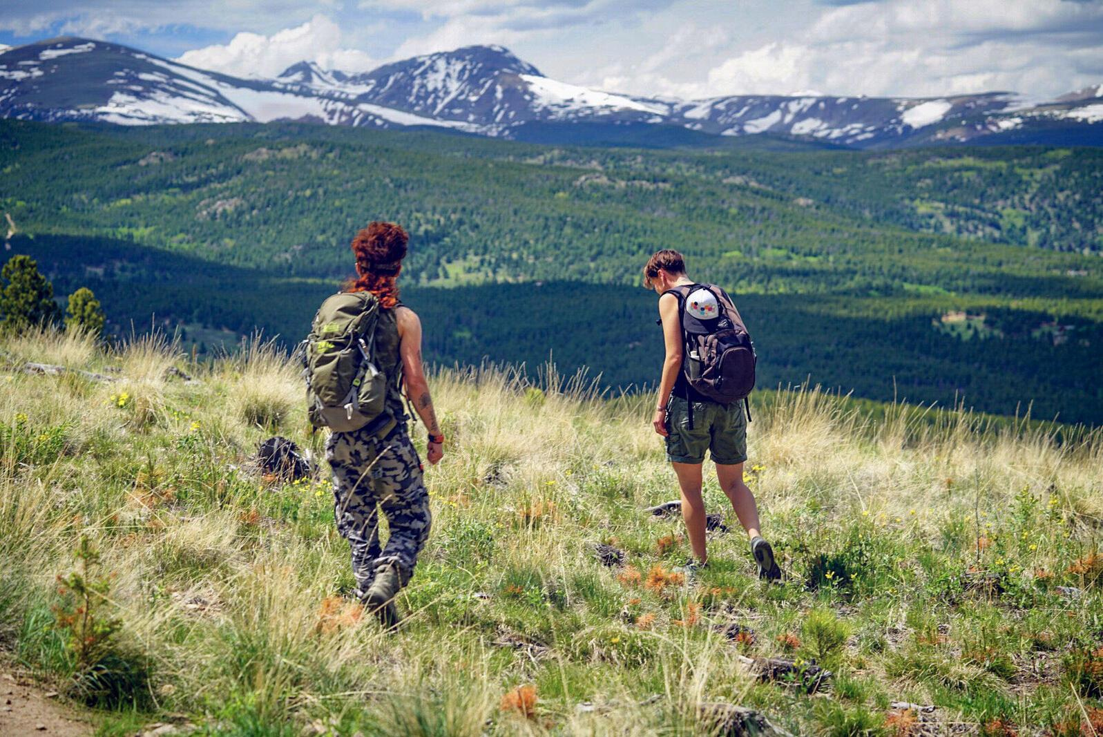 Hike led by Queer Nature in Arapaho & Ute territories. Pınar Ateş Sinopoulos-Lloyd