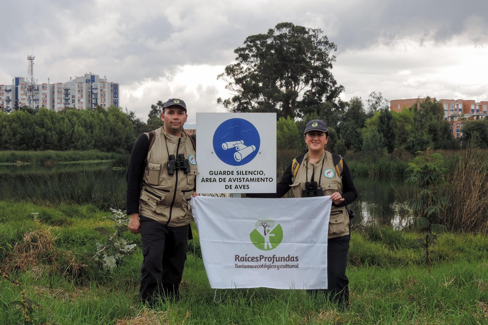 Liliana Marcela Ospina Sanchez y Juan Carlos Rubiano Reyes. Raíces Profundas Turismo Ecológico y Cultural