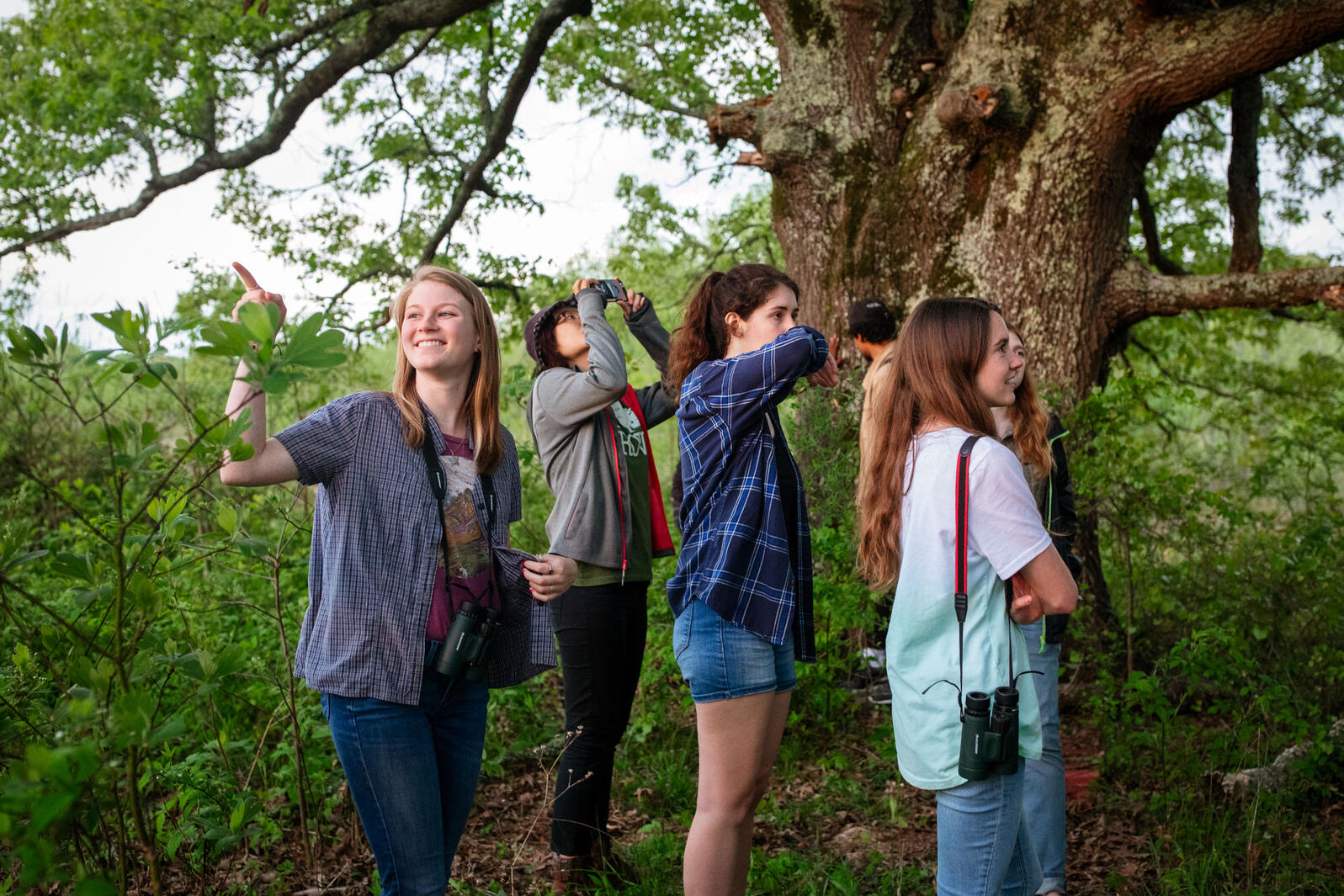 Students with the University of Mississippi tour the Strawberry Plains Audubon Center in Holly Springs, Mississippi. Mike Fernandez/Audubon