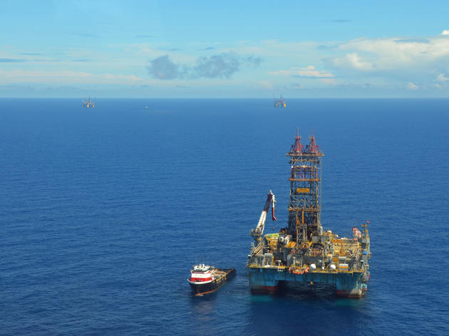A Statoil oil rig bores an exploratory well in Gulf of Mexico waters. Jennifer A. Dlouhy/Houston Chronicle