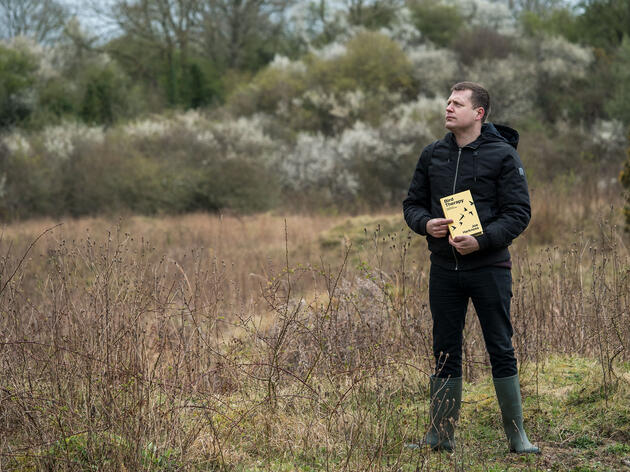 The author turned to birding to cope with his mental health struggles, leading him to start his own blog and eventually write a book about his experience. L Massey Images