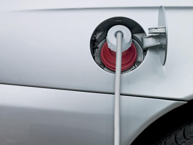 Green Guru: Do Electric Cars Really Reduce Pollution?