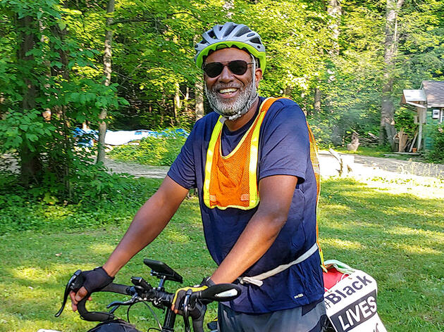 Meet the Harvard Ornithology Professor Biking Across the Country