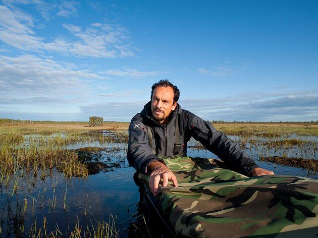 Wildlife photographer, Stefano Unterthiner, all geared up to photograph. Stéphanie Unterthiner