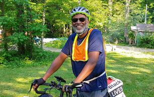 Meet the Harvard Ornithology Professor Biking Across the Country