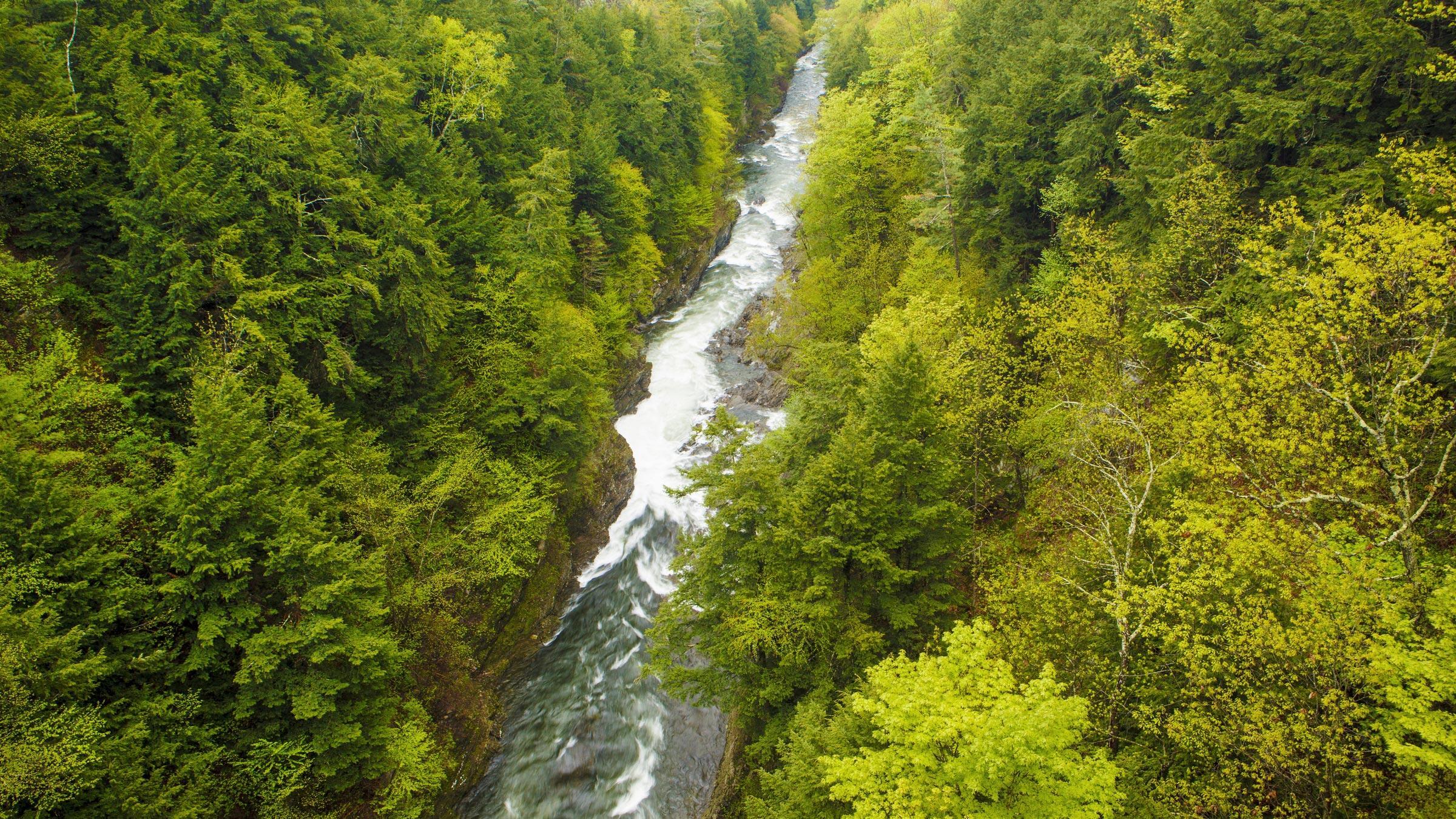 Monkman_Vermont. Quechee Gorge, Vermont. Jerry and Marcy Monkman/EcoPhotography