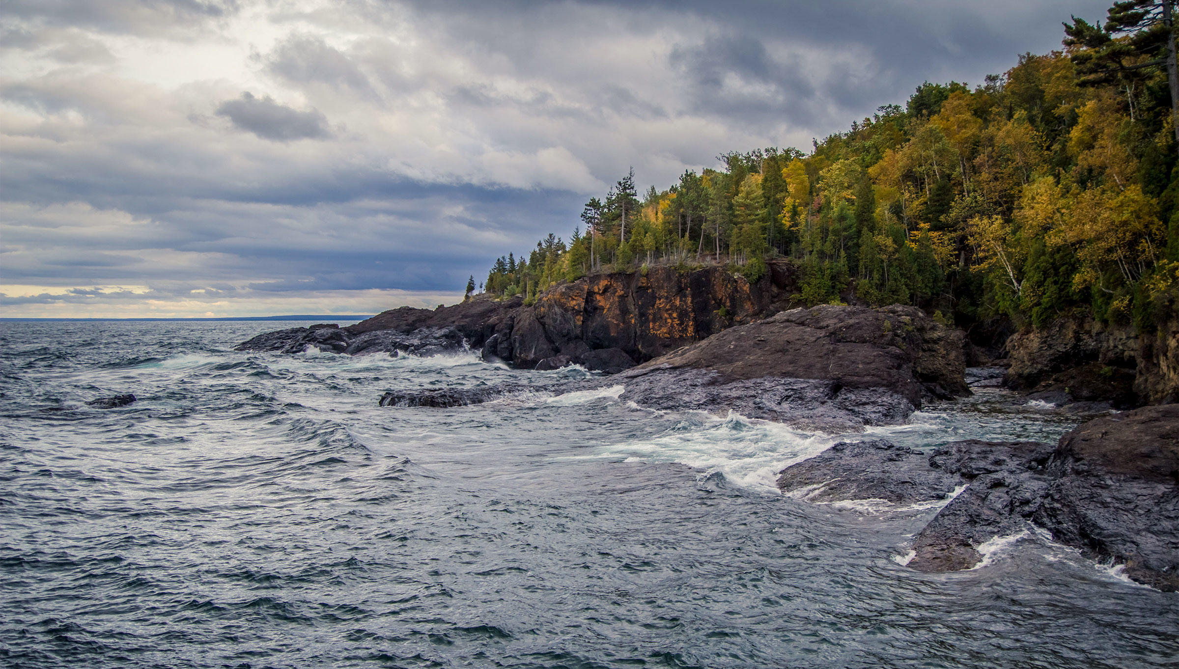 Lake Superior, Michigan. Ehrlif/Alamy