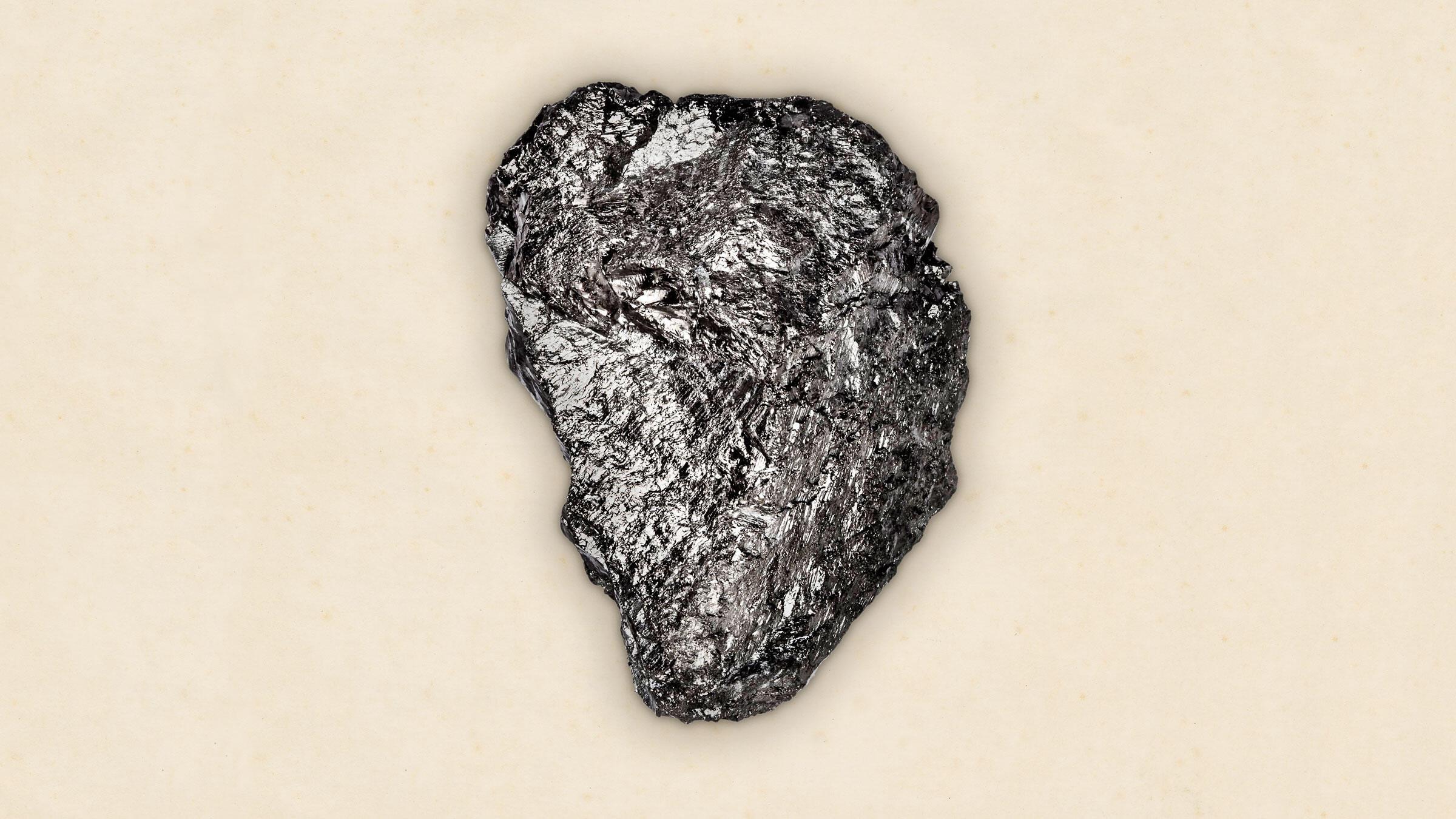 Un trozo de carbón de antracita de una mina en Virginia Occidental.