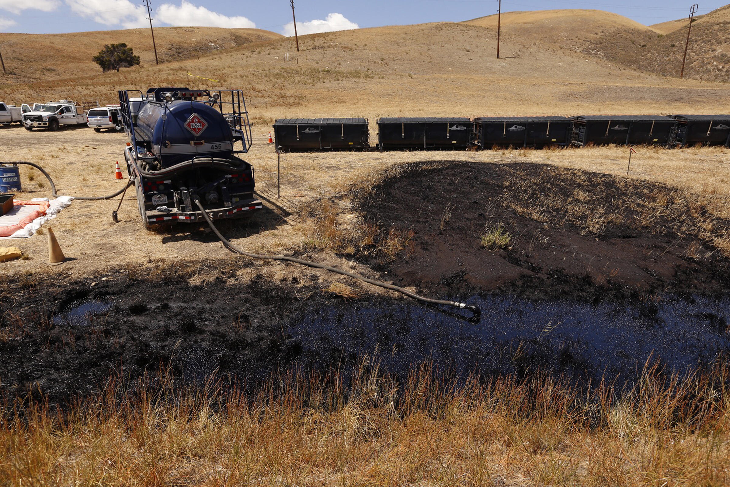 The point of origin where the pipeline ruptured, spewing at least 21,000 gallons of crude oil into the open ocean, via an underground storm drain pipe. © 2015 Al Seib/Los Angeles Times. Used with Permission.